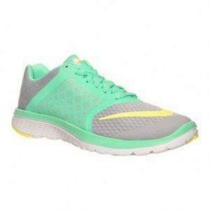 Women's Nike FS Lite Run 3 Running Shoe size 9